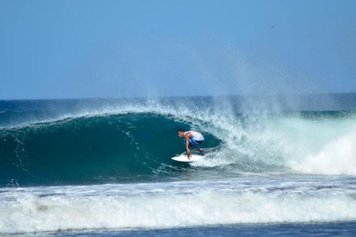 Mario Avendaño takes a wave.