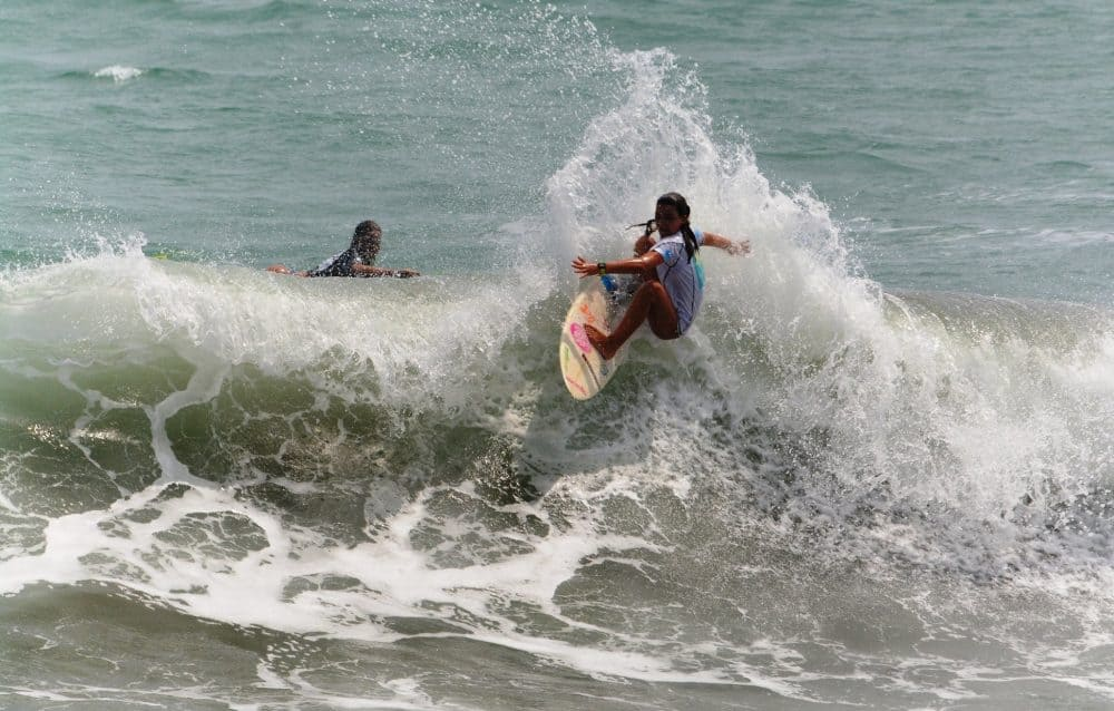 Serena Nava, Costa Rica surfing
