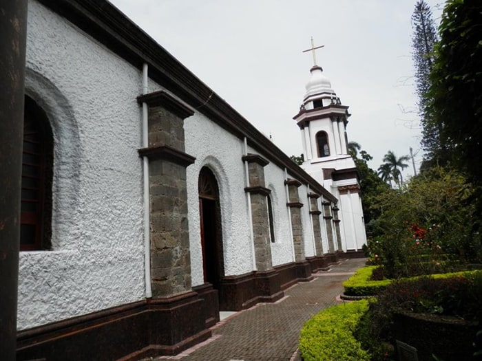 The cathedral in Alajuela.