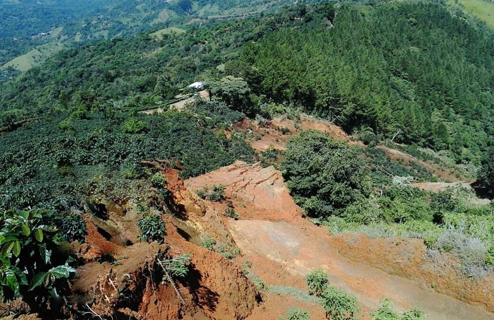 Landslide at Quebrada Honda, Quitirrisí de Mora, San José. Aug. 3, 2016.