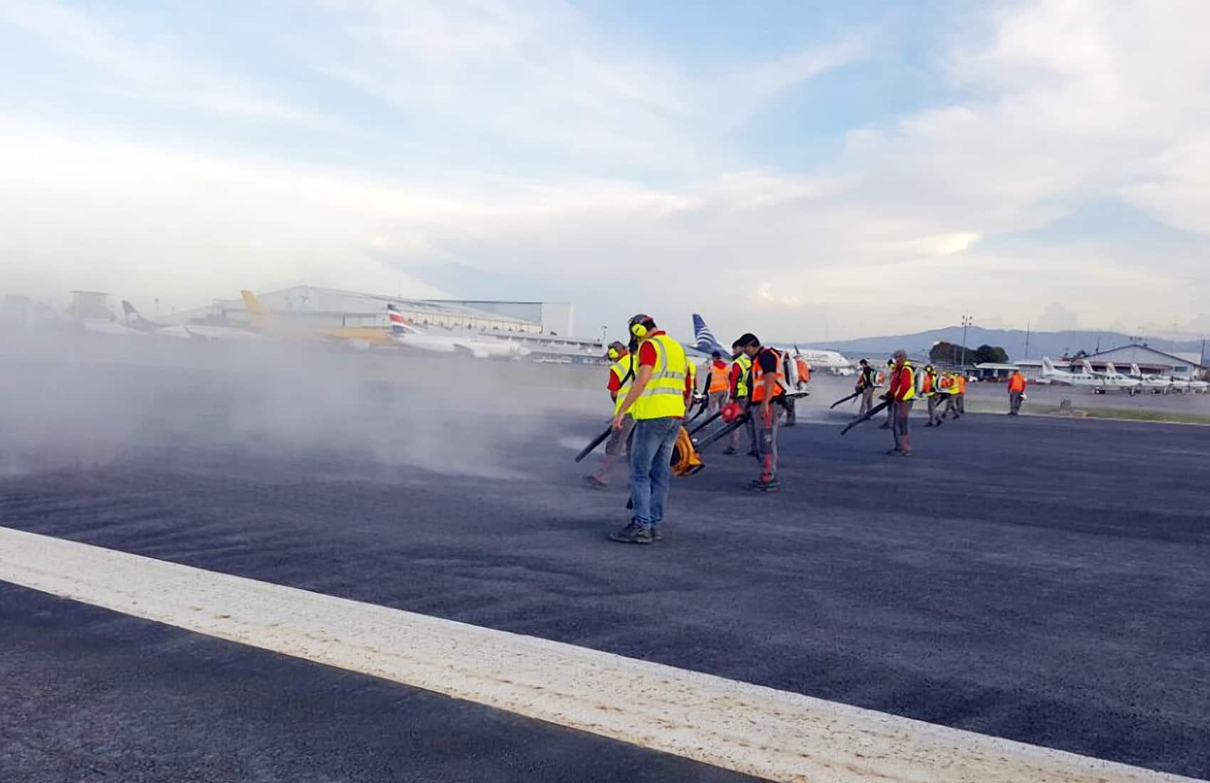 Juan Santamaría International Airport runway