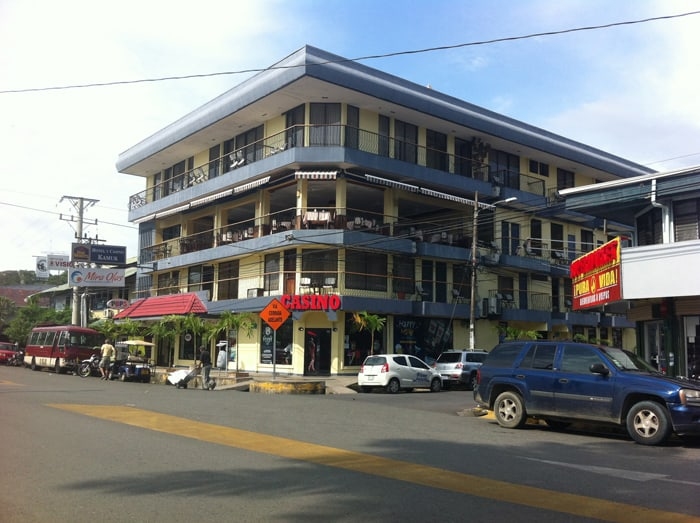 The Best Western Kamuk Hotel and Casino in downtown Quepos.