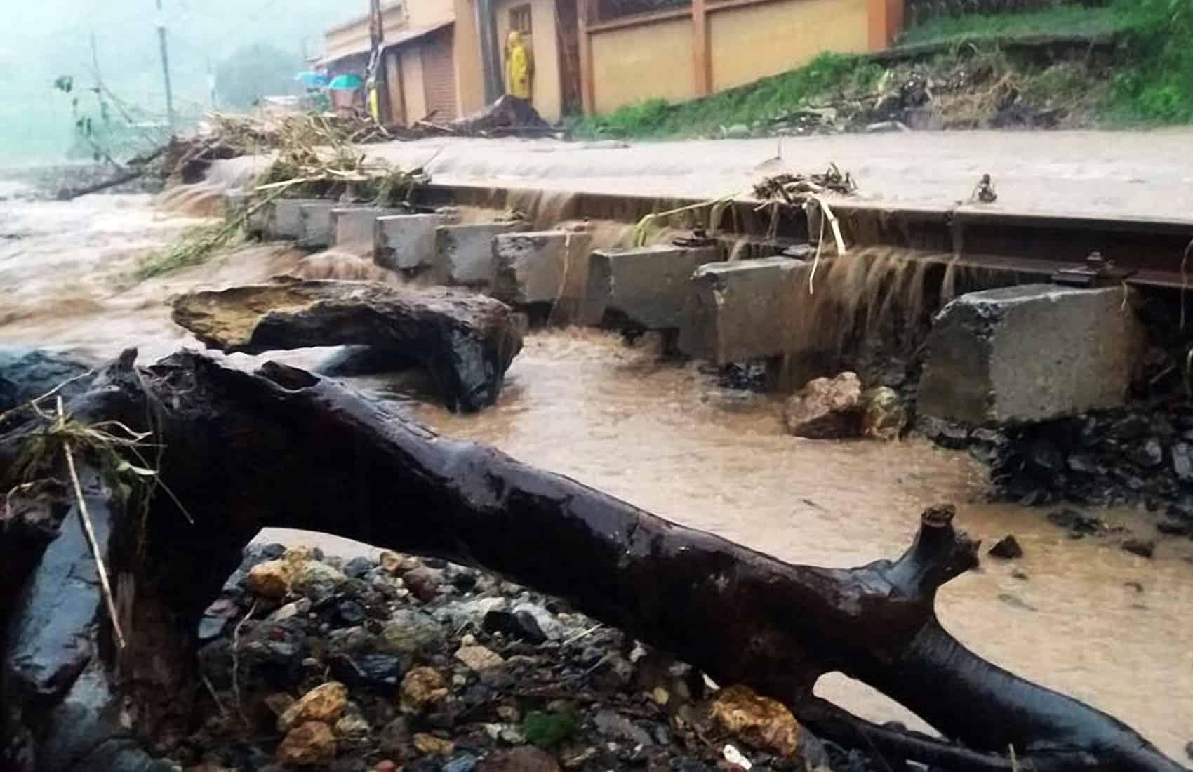 Heavy rains, flooding in Cartago. Oct. 6, 2016.