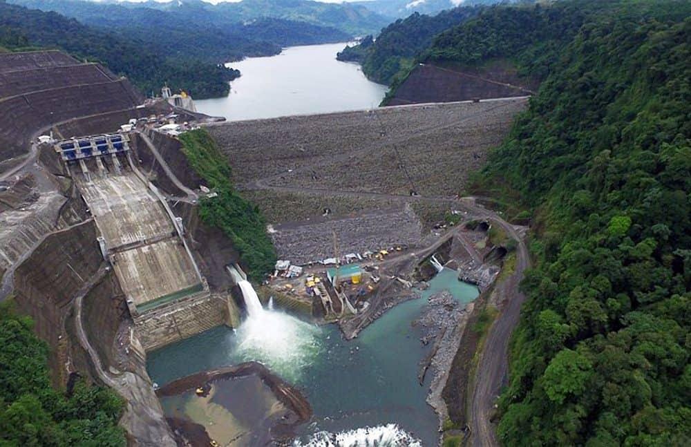 Reventazón hydroelectric plant. Electricity