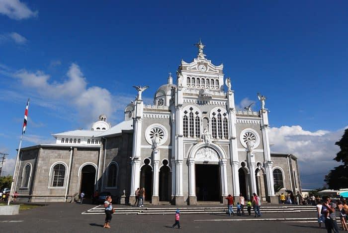 The Basílica de Nuestra Señora de los Ángeles in Cartago.