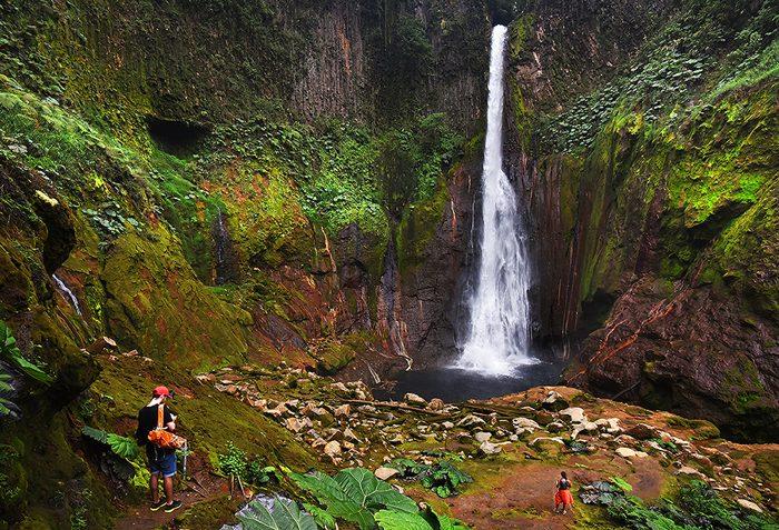 Catarata del Toro is a 91-meter waterfall.