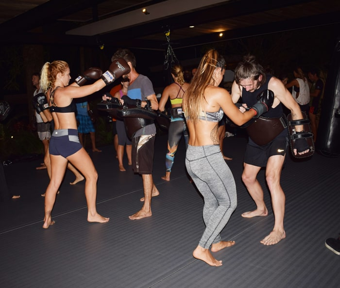 A muay thai class at Nalu Studio.