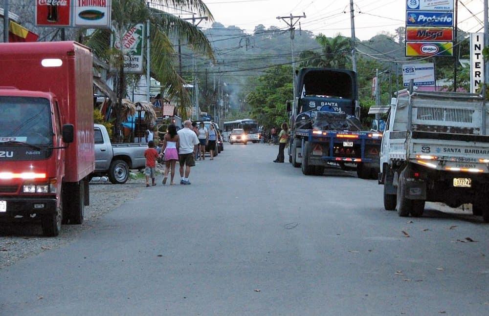 Stabbed tourist. Puerto Viejo, Limón. Costa Rica's Caribbean.