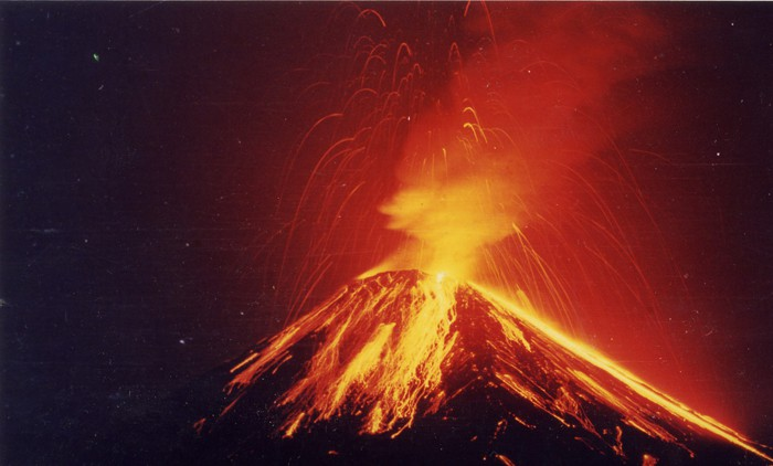Arenal explodes in 1995.