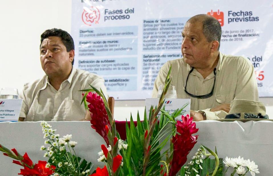 MOPT Minister Carlos Villalta, President Luis Guillermo Solís. June 7, 2017.