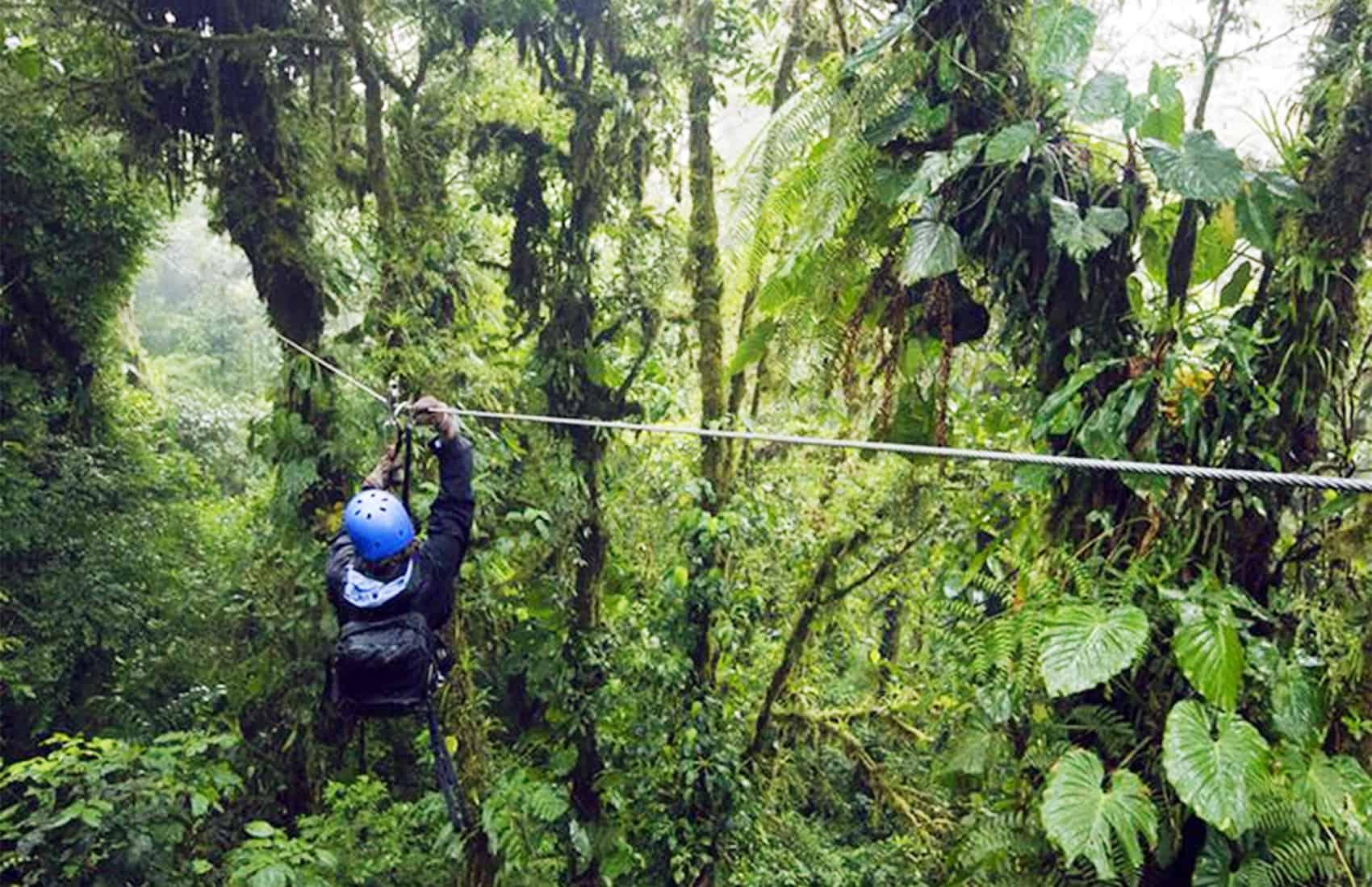 Zipliner in Costa Rica